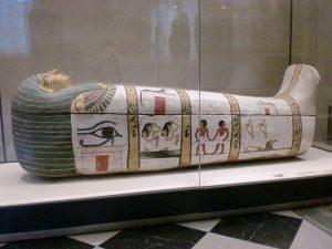 Sarcophages et hiéroglyphes